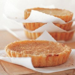 Onion confit tarts
