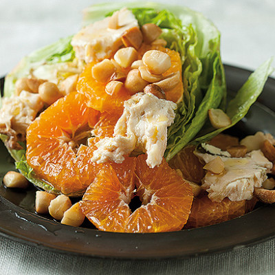 Orange and gorgonzola salad with toasted macadamias