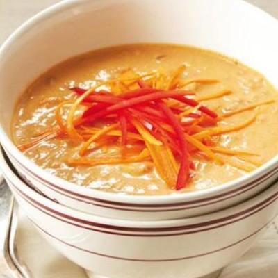 Organic spicy peanut soup