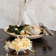 Oven-roasted fish with lime-butter, spinach, shiitake mushrooms and shoestring potatoes