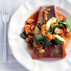 Pan-fried salmon trout with gooseberry Asian dressing