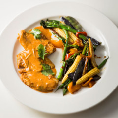 Panang curry chicken with stirfried vegetables