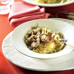 Paprika veal and mushrooms with noodles