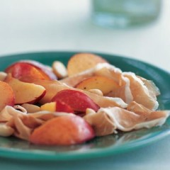 Parma ham with nectarines and roasted macadamias
