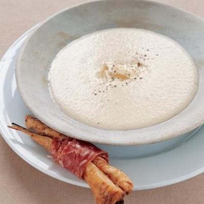 Parsnip and gorgonzola soup
