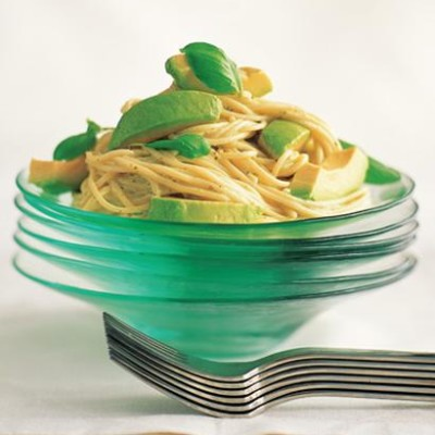 Pasta with avocado sauce
