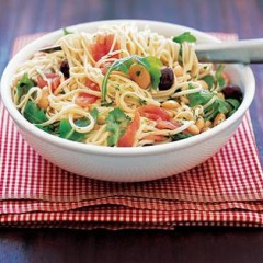 Pasta with butter beans and fresh tuna