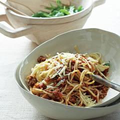 Pasta with mushroom-lentil ragu