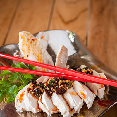 Poached chicken with spicy Sichuan sauce