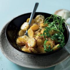 Polenta gnocchi baked with Gorgonzola sauce