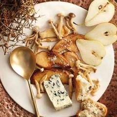Porcini mushrooms with gorgonzola
