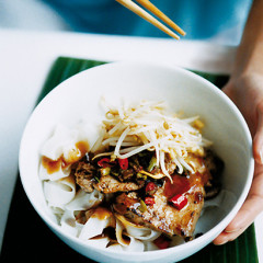 Pork noodles with crispy garlic and chilli