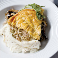 Quick chicken and mushroom pie