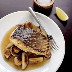 Roast fish with mushrooms
