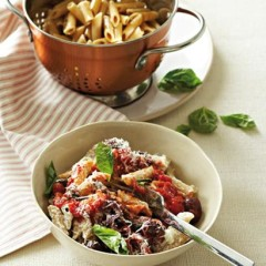 Roast olive and tomato sauce with penne