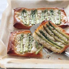 Roasted asparagus and Chevin tarts
