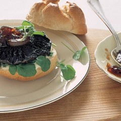 Roasted mushroom burgers with onion marmalade