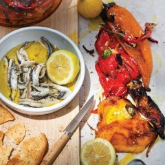 Roasted peppers with white anchovies