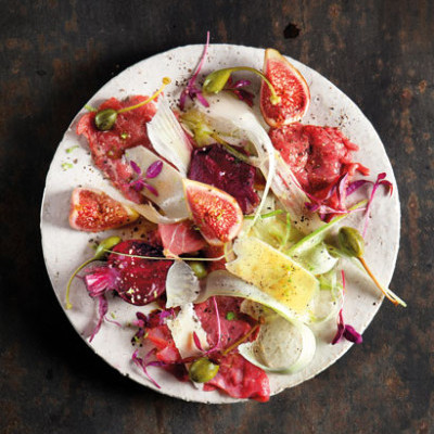 Seared beef carpaccio with fig- and-fennel salad
