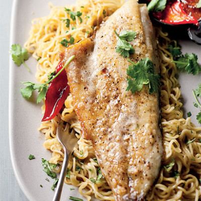 Seared kabeljou with curried noodles and apricot sauce