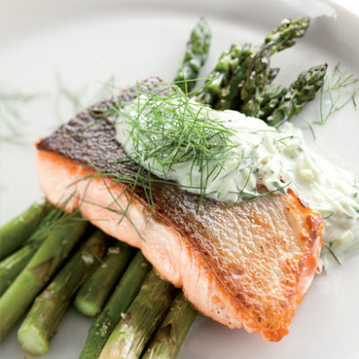 Seared salmon fillet with roast asparagus and dill tzatziki