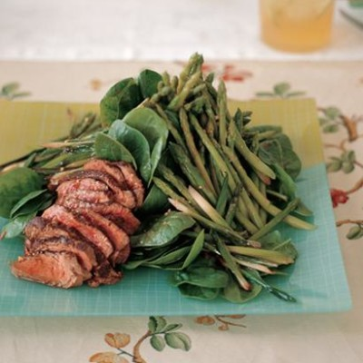 Seared steak and asparagus salad with Chinese dressing