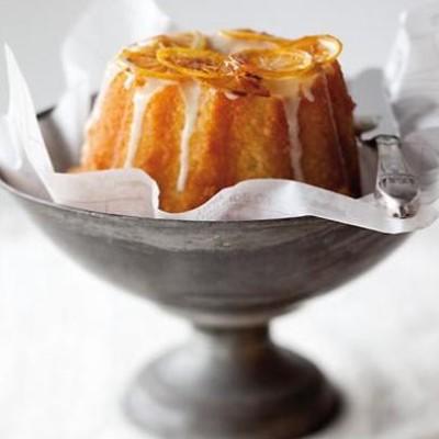 Semolina-and-yoghurt bunt cake