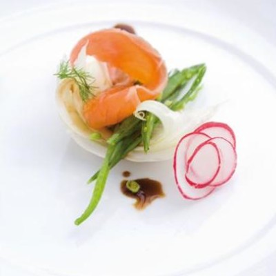 Shavings of crisp fennel and mangetout topped with smoked trout sashimi