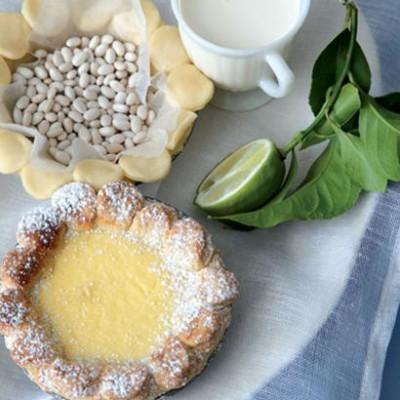 Shortbread lemon tarts