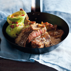 Sirloin with gorgonzola-and-bacon sauce and avocado salad