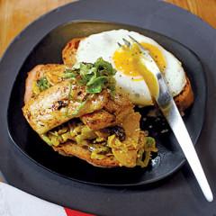 Snoek sandwich with spicy cabbage relish