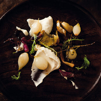 Spring onion confit with Gorgonzola soubise