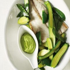 Steamed greens and fish fillets with avo mayo