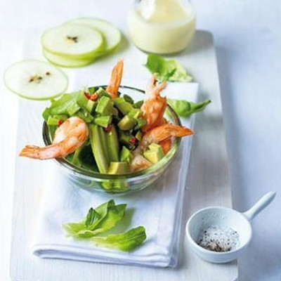 Steamed prawn salad with avocado chilli salsa and lemon aioli