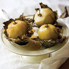 Stewed apples in crispy vine leaves