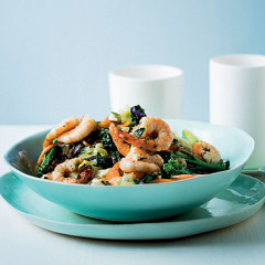 Stir-fried vegetables with prawns