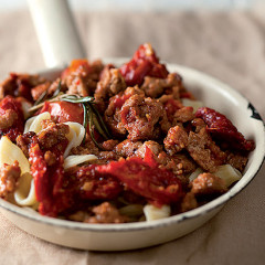 Sundried tomato and pork mince pasta