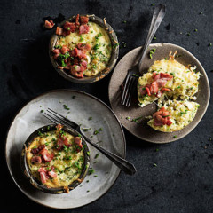 Sweet leek-and-chive savoury tarts with crispy bacon