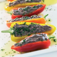 Sweet salad peppers with tapenade