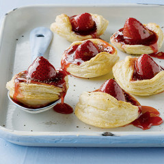 Sweet strawberry and black pepper jam tarts tossed with sticky syrup