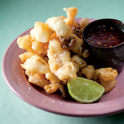 Tempura squid with sweet chilli sauce