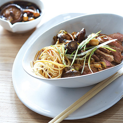Teriyaki beef with mushroom hotpot