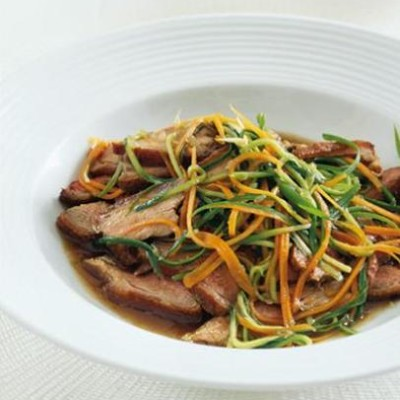 Thai curry spiced duck with sweet-and-sour dressing