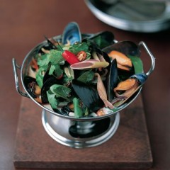 Thai mussels with bok choy