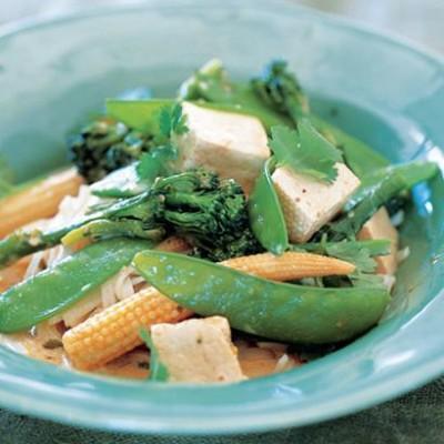 Thai red tofu curry on rice pasta