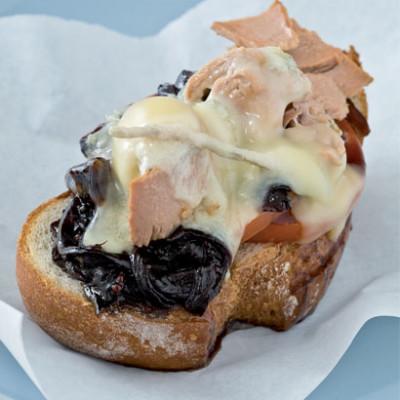 The ultimate tuna-and-gorgonzola melt