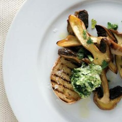 Toasted bruschetta with porcini mushrooms and parsley creamed feta