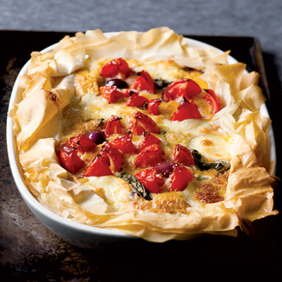 Tomato, mozzarella and olive tart