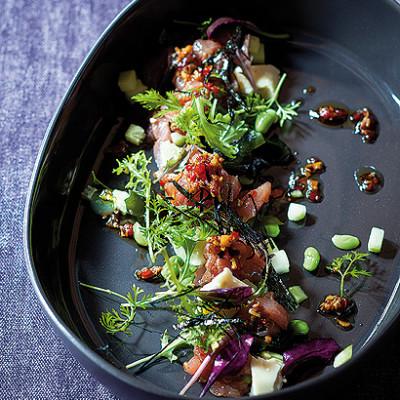 Tuna tartare, edamame bean and wakame salad with tofu and toasted garlic dressing