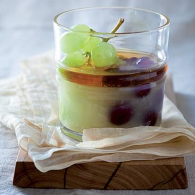 Vodka-and-lime jelly with grapes and honey